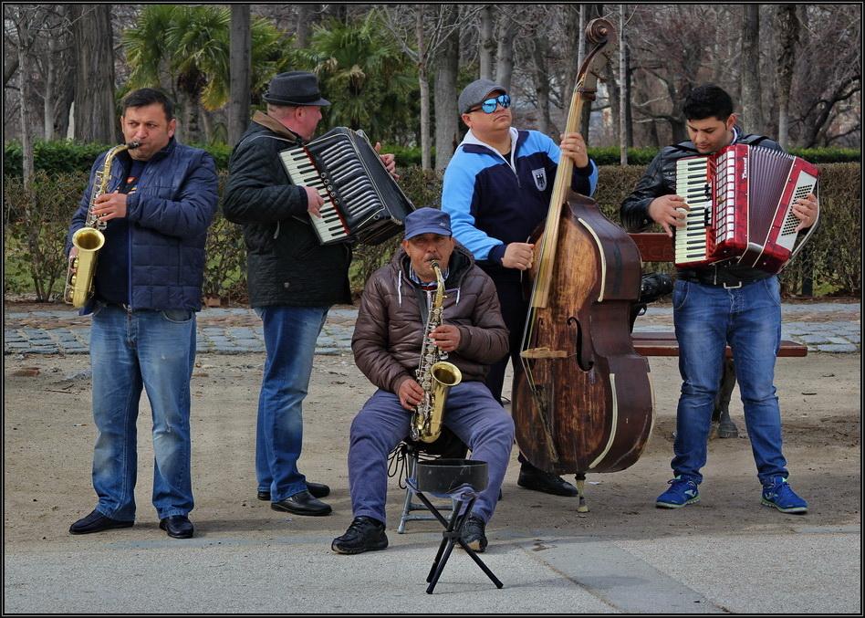 http://ic.pics.livejournal.com/allenatore/7899123/356743/356743_original.jpg