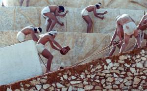 рабы строят пирамиды