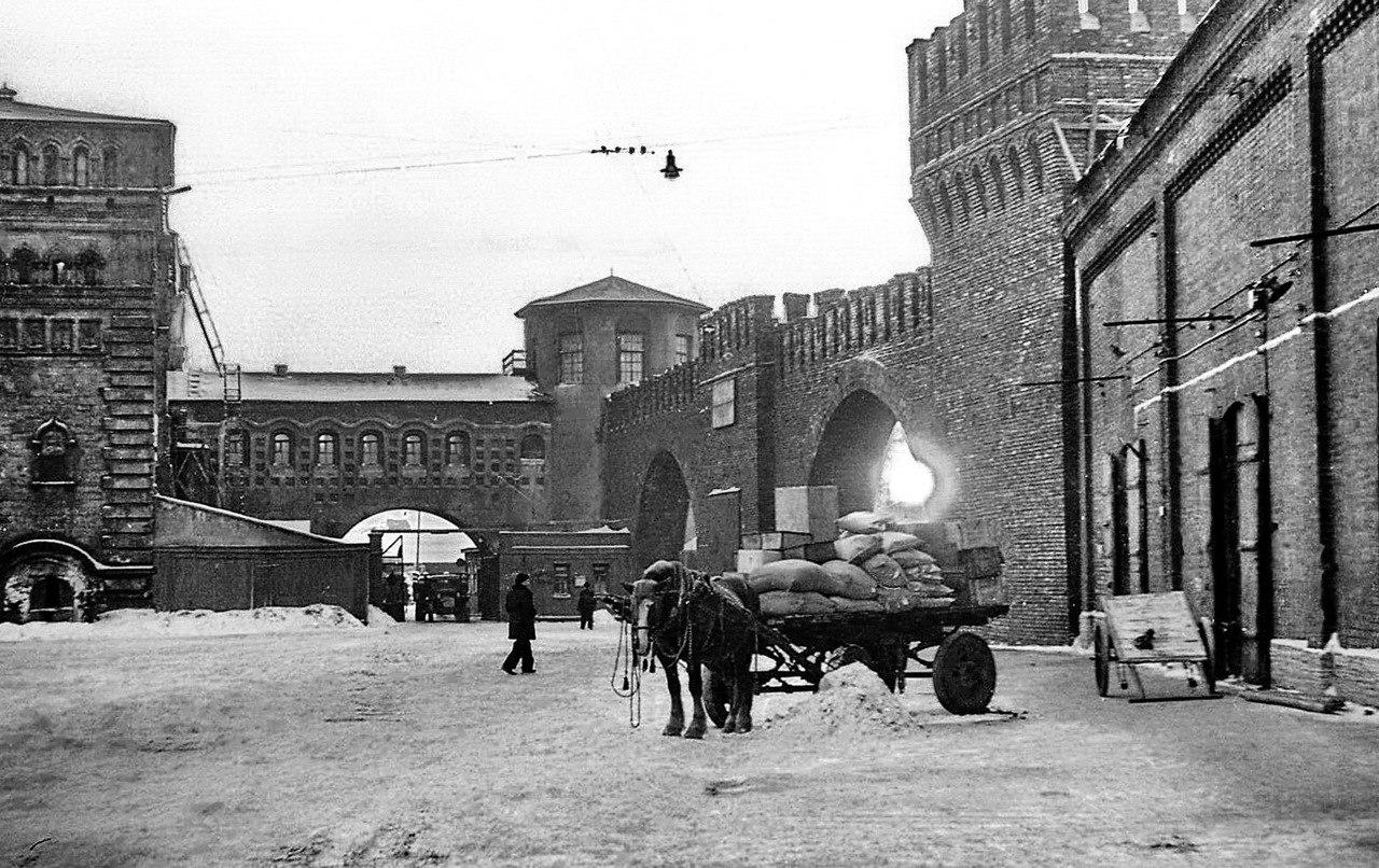 можно очень старые фото ленинграда валенсия