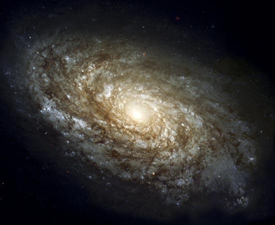 Спиральная галактика NGC 4414. Фото NASA