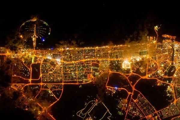Ночной Дубай. Фотография НАСА