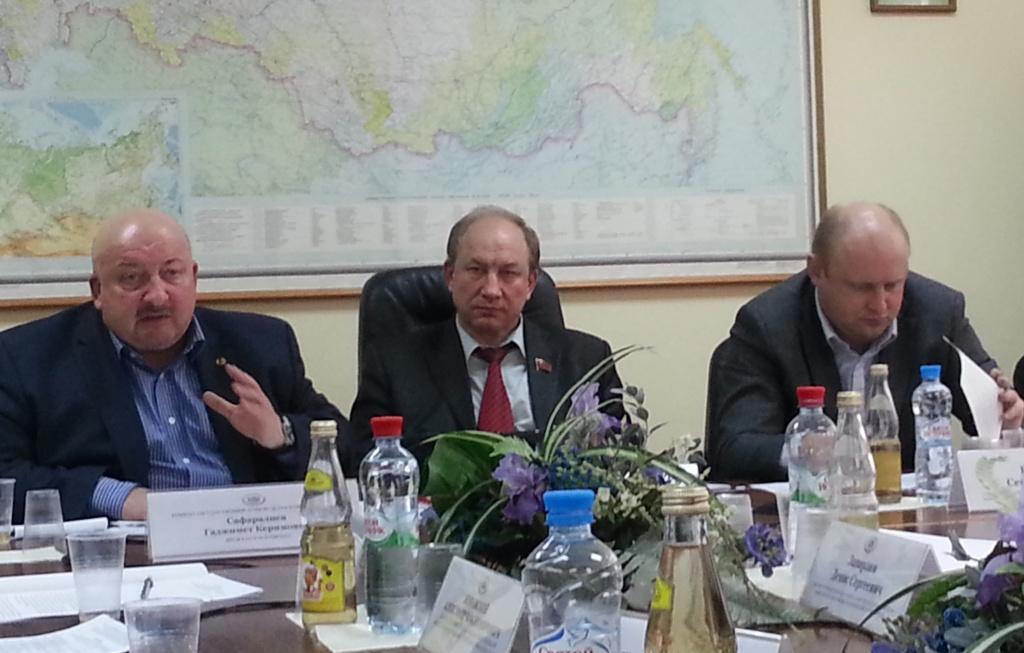 Гаджимет Сафаралиев (слева) и Сергей Белоконев (справа)