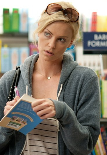 charlize-theron-look-young-adult-180340_L