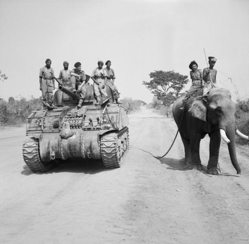British_commander_and_Indian_crew_encounter_elephant2