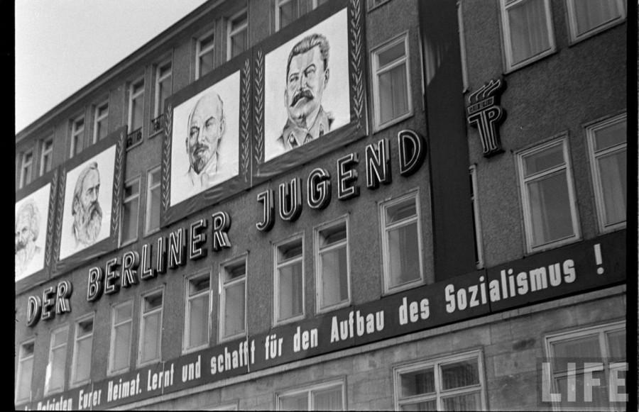 hist_us_20_cold_war_pic_berliner jugend_1953
