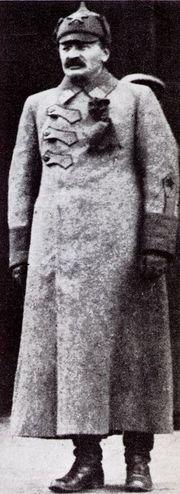 180px-Leo_Trotzki_1918