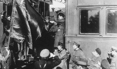 trotsky-armoured-train-i13