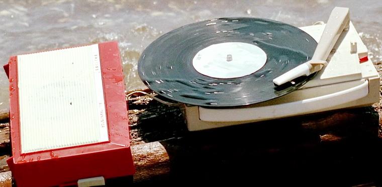 1965 - Безумный Пьеро (Жан Люк Годар).jpg