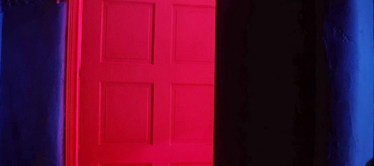 1990 - Коматозники (Джоэл Шумахер).jpg