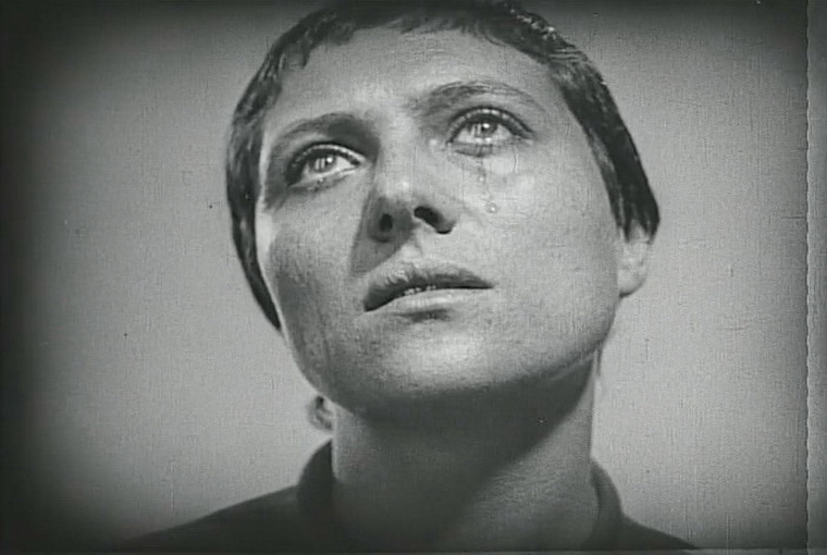 1928 - Страсти Жанны Д'Арк (Карл Теодор Дрейер).jpg