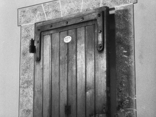 1956 - Приговоренный к смерти бежал