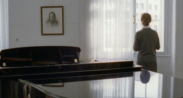 2001 - Пианистка