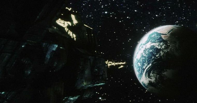 1997 - Чужой 4 Воскрешение (Жан-Пьер Жёне).jpg