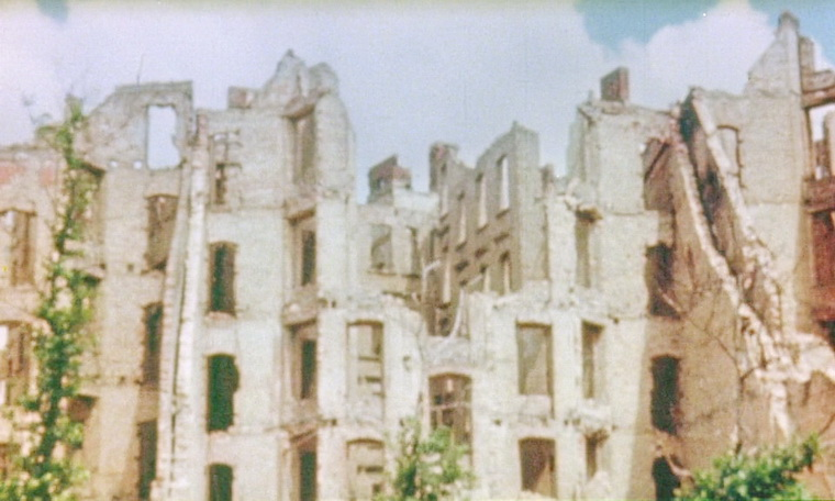 1987 - Небо над Берлином (Вим Вендерс).jpg