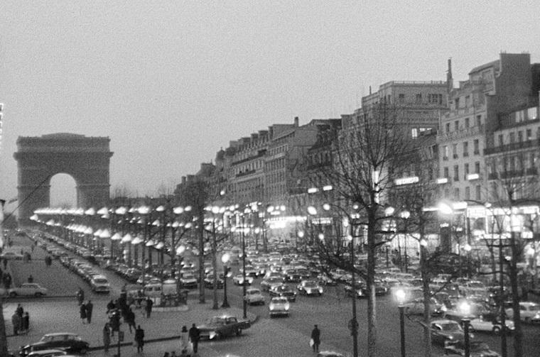 1962 - Жить своей жизнью (Жан Люк Годар).jpg