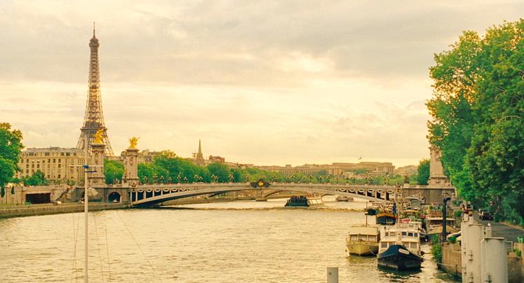 2011 - Полночь в Париже (Вуди Аллен).jpg