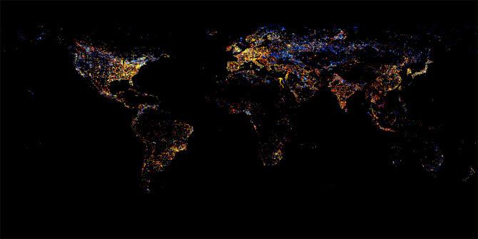 Угасание ночных огней цивилизации (синие) в 1990-е годы