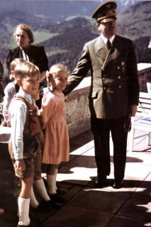 Гитлер дети Донецк Свет счастливой звезды http://altoliman.livejournal.com/