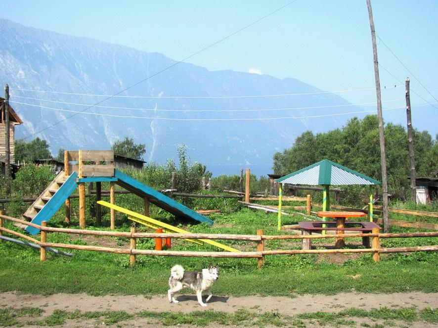 Детская площадка на Беле фото-И.В. Калмыков