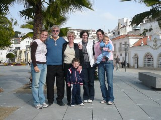 Jim & Elizabeth brought their visiting grandchildren to Albufiera to meet us