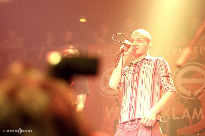 http://pics.livejournal.com/alyfant/pic/0000d5gq