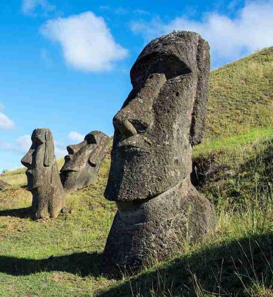 Статуи с Пасхи.jpg