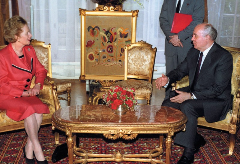 Горбачев и Тэтчер общаются... лондон 1991 год...