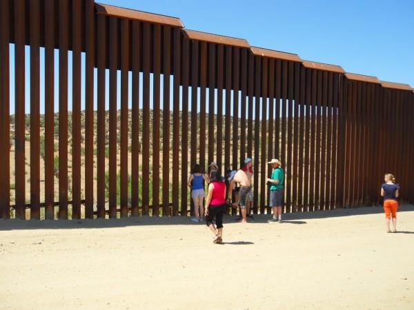 SDC13807 Граница с Мексикой