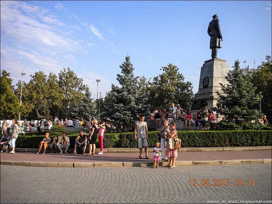 пл.-Нахимова-12-августа.6jpg