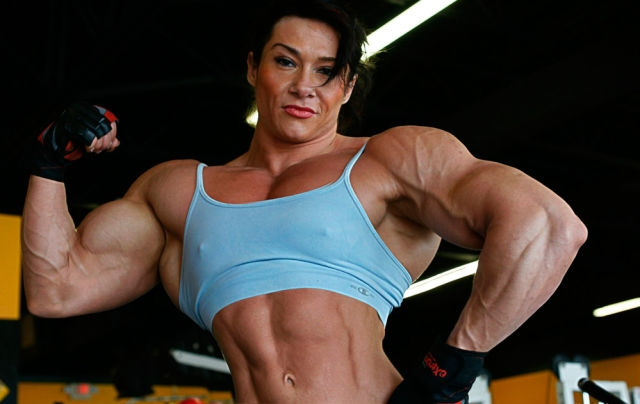 1364329524_be_careful_not_to_annoy_these_female_bodybuilders_640_18