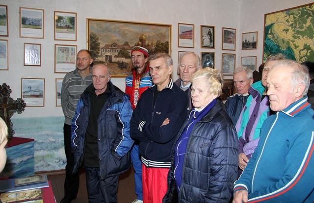 Участники Амосовской эстафеты в музее Мяксинской школы