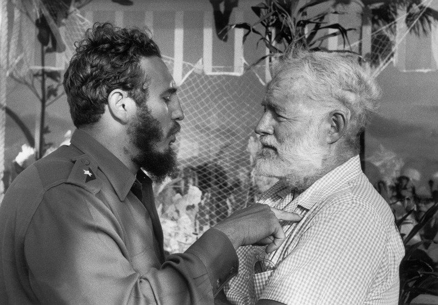 05 Andrew Saint-George. CUBA. Havana. 1960. Fidel CASTRO and the writer Ernest HEMINGWAY.jpg