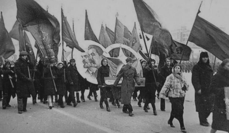 7 ноября 1941 года Куйбышев 03.jpg