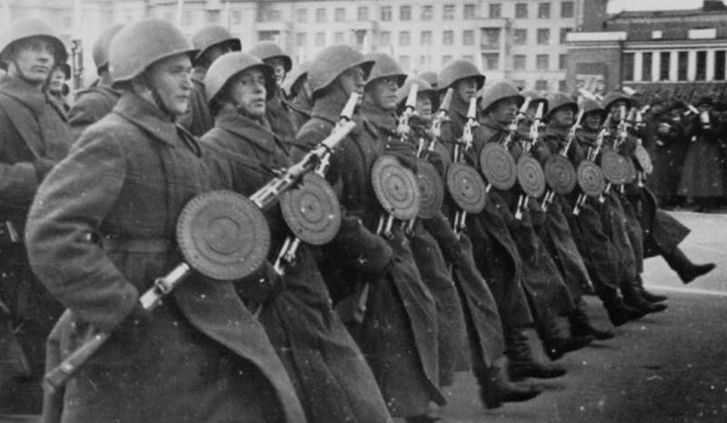 7 ноября 1941 года Куйбышев 05.jpg