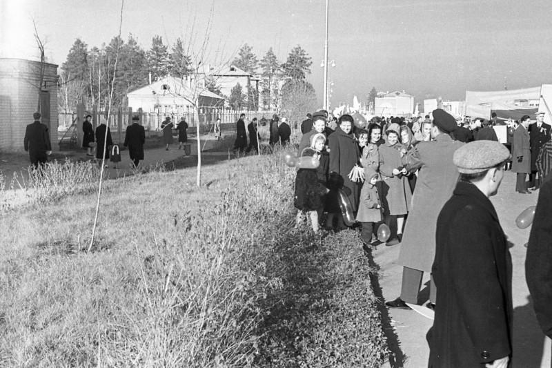 271494 Формирование колонн, 7 ноября 1962.jpg