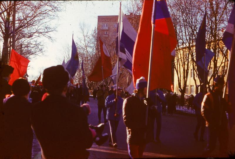 301037 Праздничная демонстрация 7 ноября.jpg