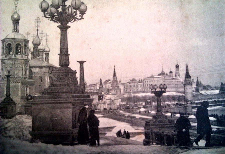 1928-1929 212248 Москва зимой. Вид на Кремль с юго-восточной террасы у храма Христа.jpg