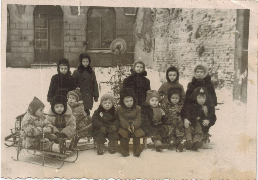 1958-1959 Ленинград 218742 Елка в Юсуповском садике.jpg