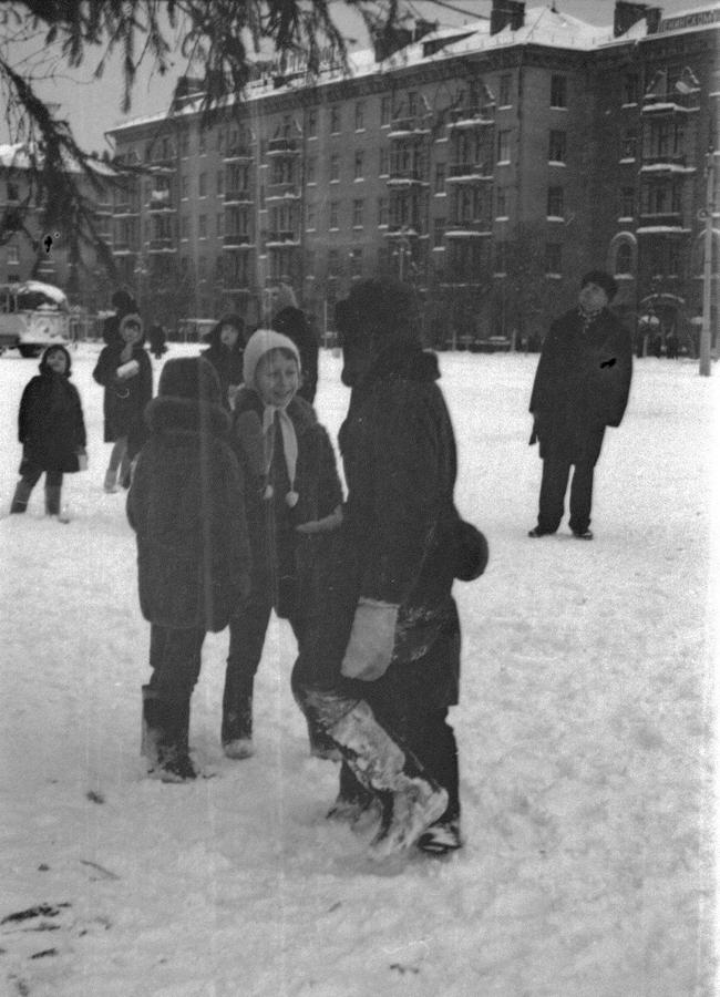 1970 Жуковский 355623 Пл. Ленина в Новый Год.jpg