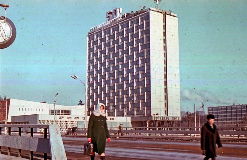 1973 январь Минск 174144 Гостиница _Турист_ в январе 1973 г.jpg
