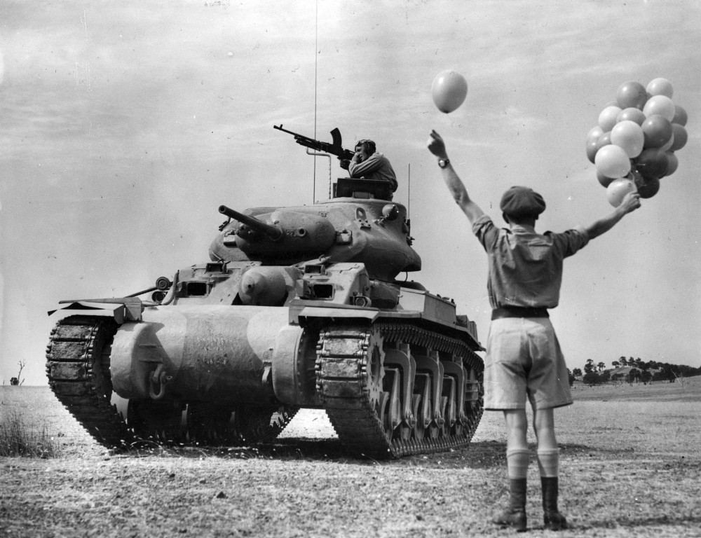 Releasing balloons used as targets for A.A. firing practice from A.C.I. tanks [ca. 1943] 1
