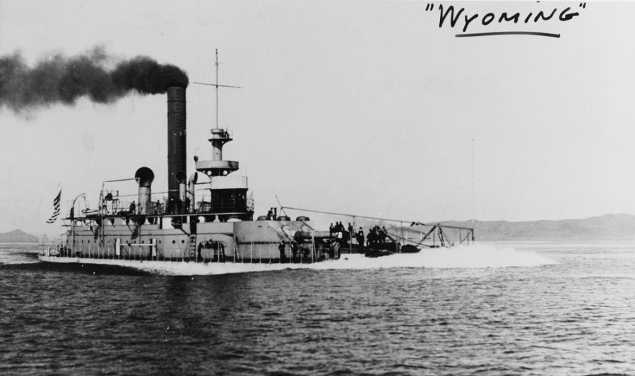 USS Wyoming BM-10, making 12.5 knots in October 1902