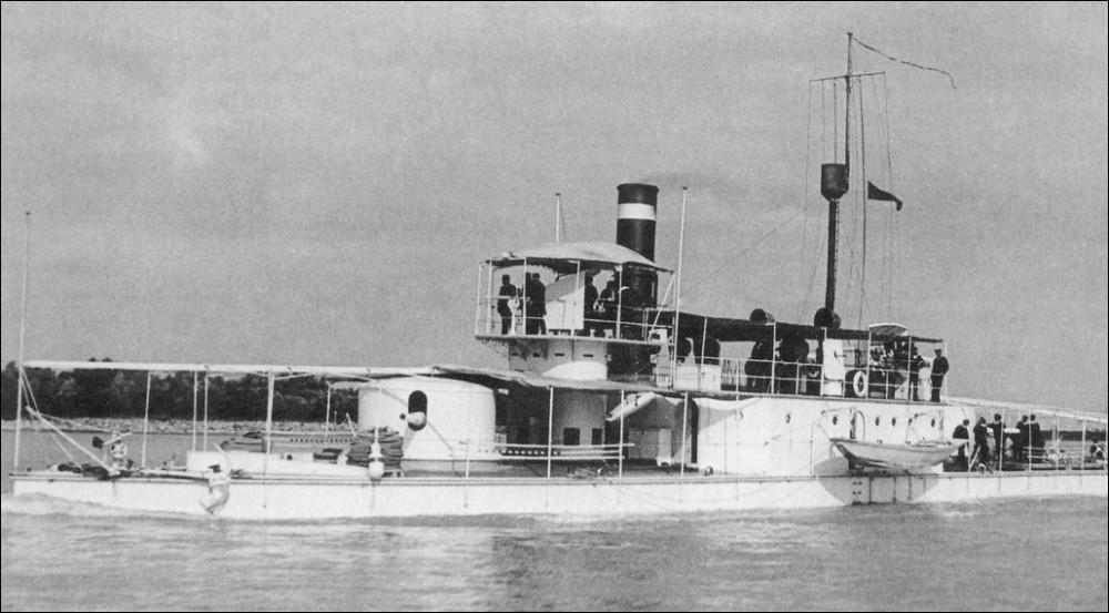 Монитор «Koros» во время маневров на Дунае до 1900 г.