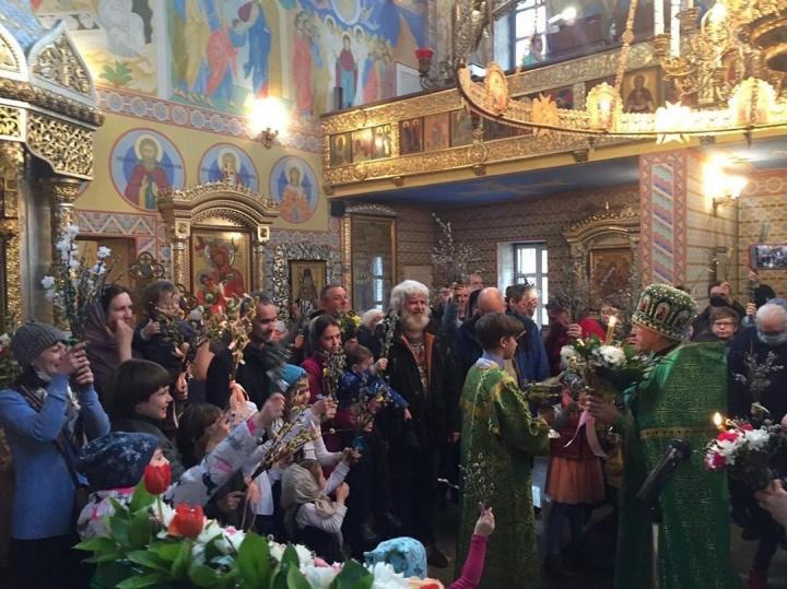 В храме целителя Пантелеймона на улице Лучевой в Екатеринбурге