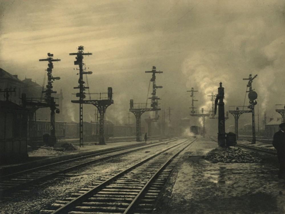 Leonard Misonne, Sortie De La Gare, Namur, Belgium, 1938