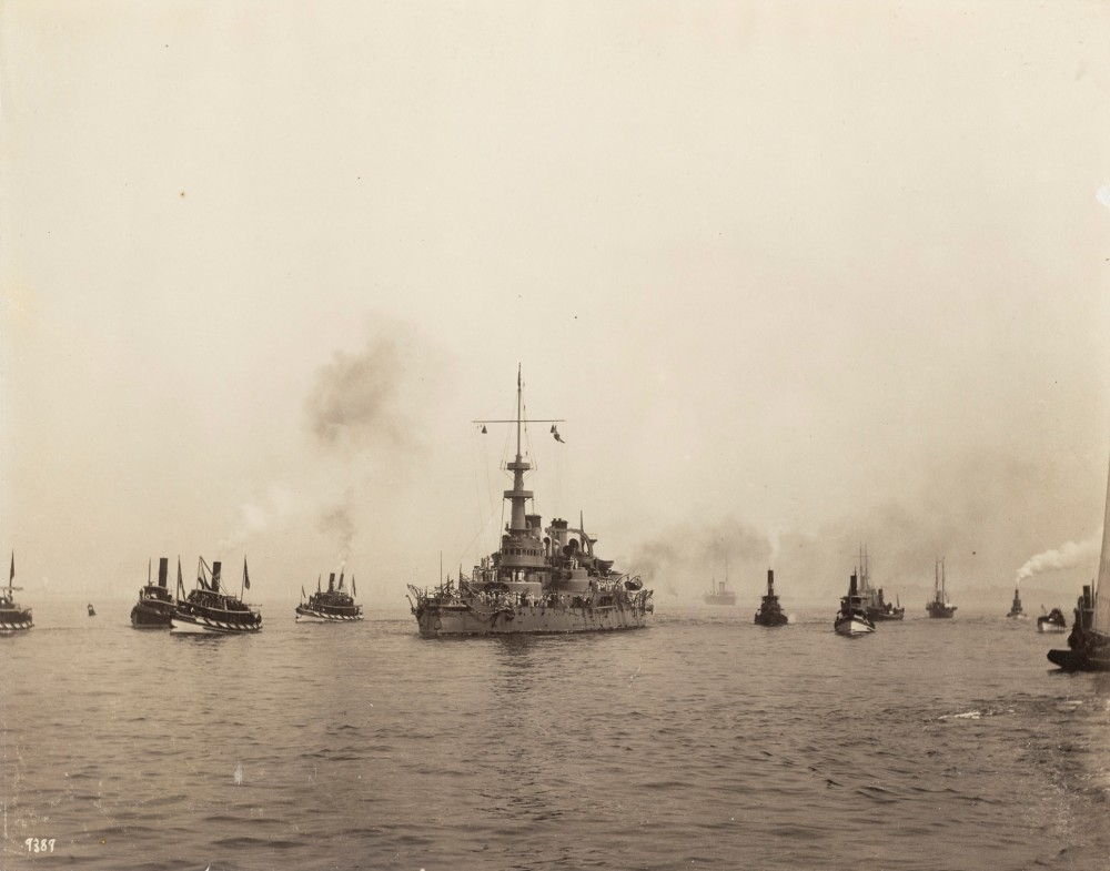Fleet At Castle, with tugs [21 August 1898][USS Massachusetts (BB-2)]