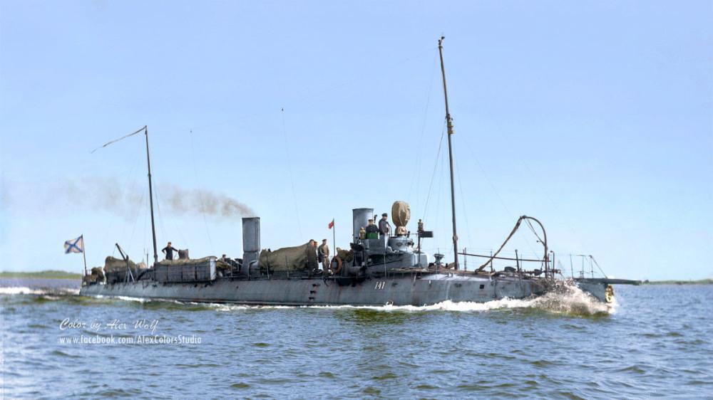 Миноносецъ №141  Россійскаго Императорскаго флота недалеко отъ Гельсингфорса, Финскій заливъ, 1910 г.