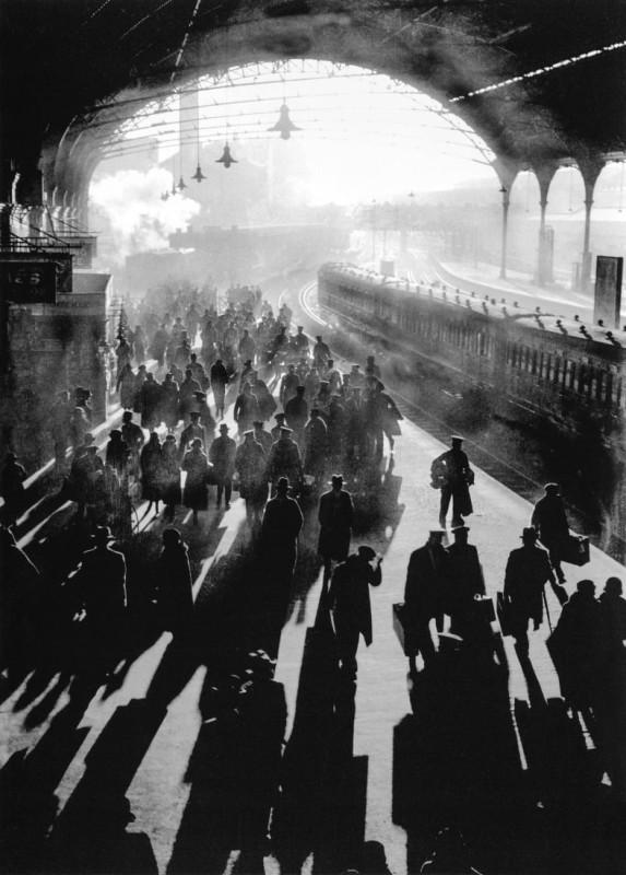 Victoria Station, London 1934