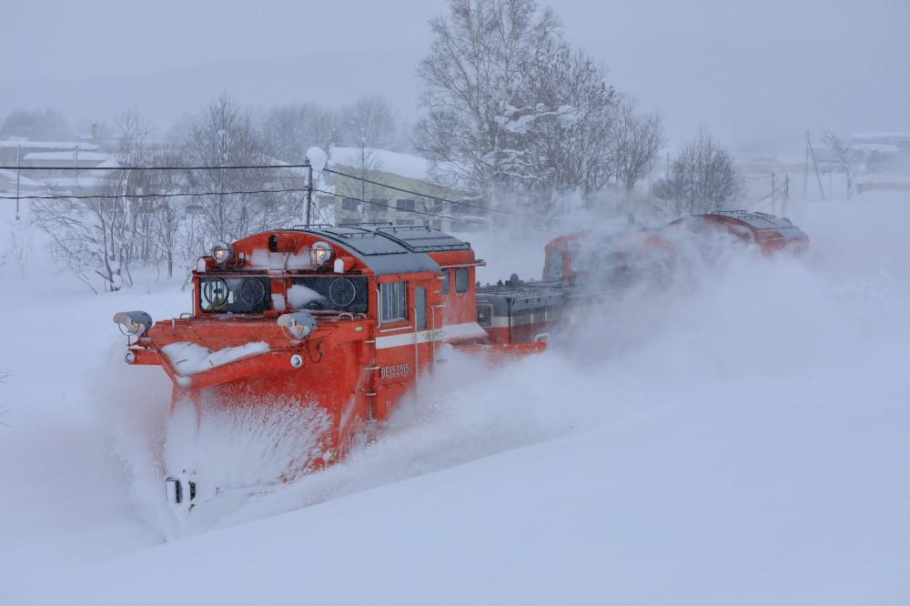 Snowplow running on the Soya Main Line