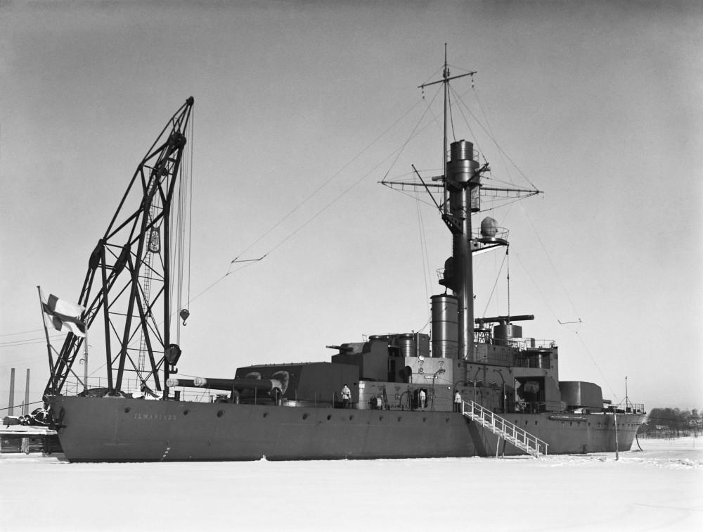 Броненосный корабль Ильмаринен в военном порту Северной гавани на берегу Катаянокка, Хельсинки, 1934